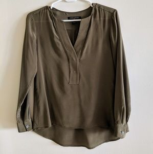 *LIKE NEW* Banana Republic Olive Green Silk Blouse
